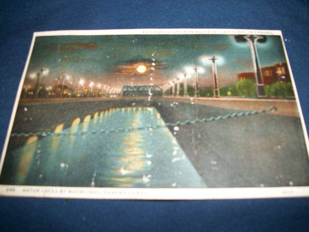 Vintage Panama Canal Post Card Gatun Locks free P&I