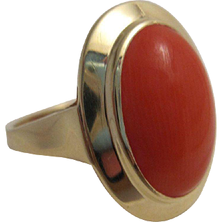 Classic 14K Gold and Coral Ring