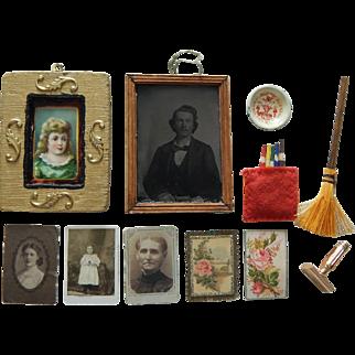 Antique/vintage dollhouse items
