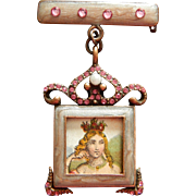Lovely vintage doll photo pin