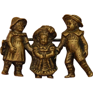 Antique pin:children w/ French bebe