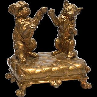 Antique French Nineteenth Century Gilded Laiton Figural Sculpture Le Chien et Le Chat