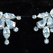 Vintage Weiss Blue Rhinestone Earrings