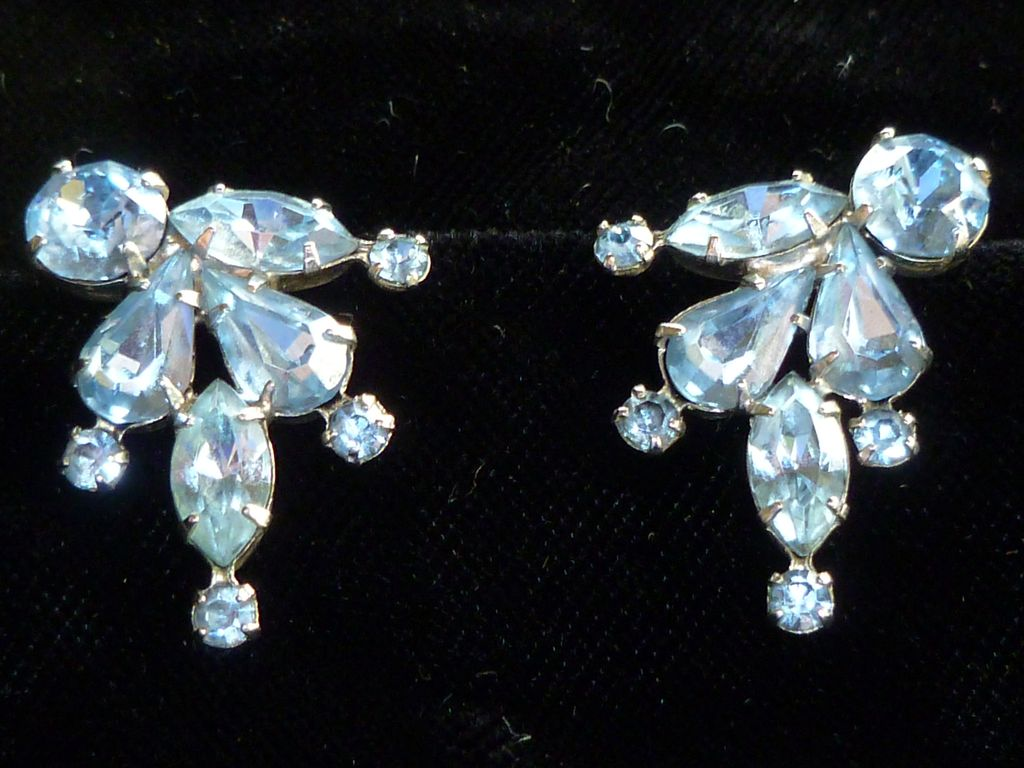 vintage weiss blue rhinestone earrings historique ruby. Black Bedroom Furniture Sets. Home Design Ideas