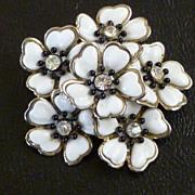 White  Plastic Rhinestone Flower Cluster Brooch
