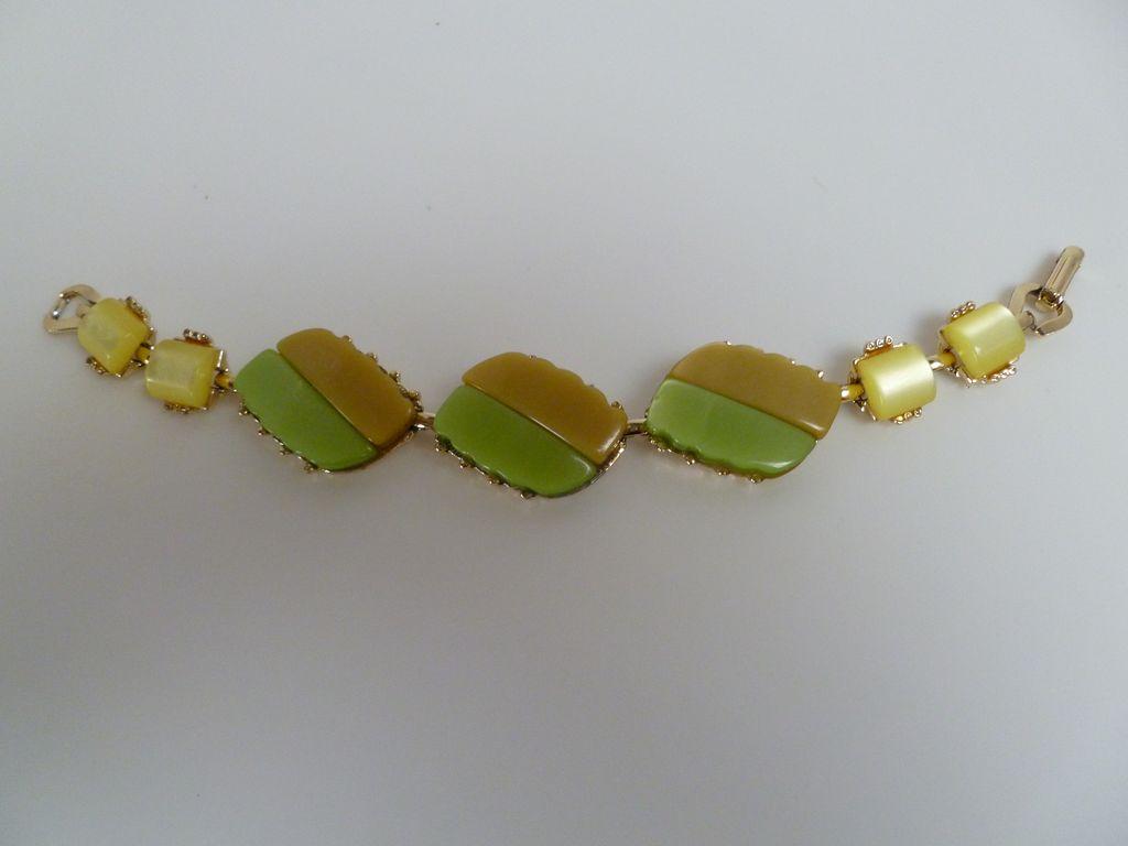 Vintage Thermoset Lucite Bracelet