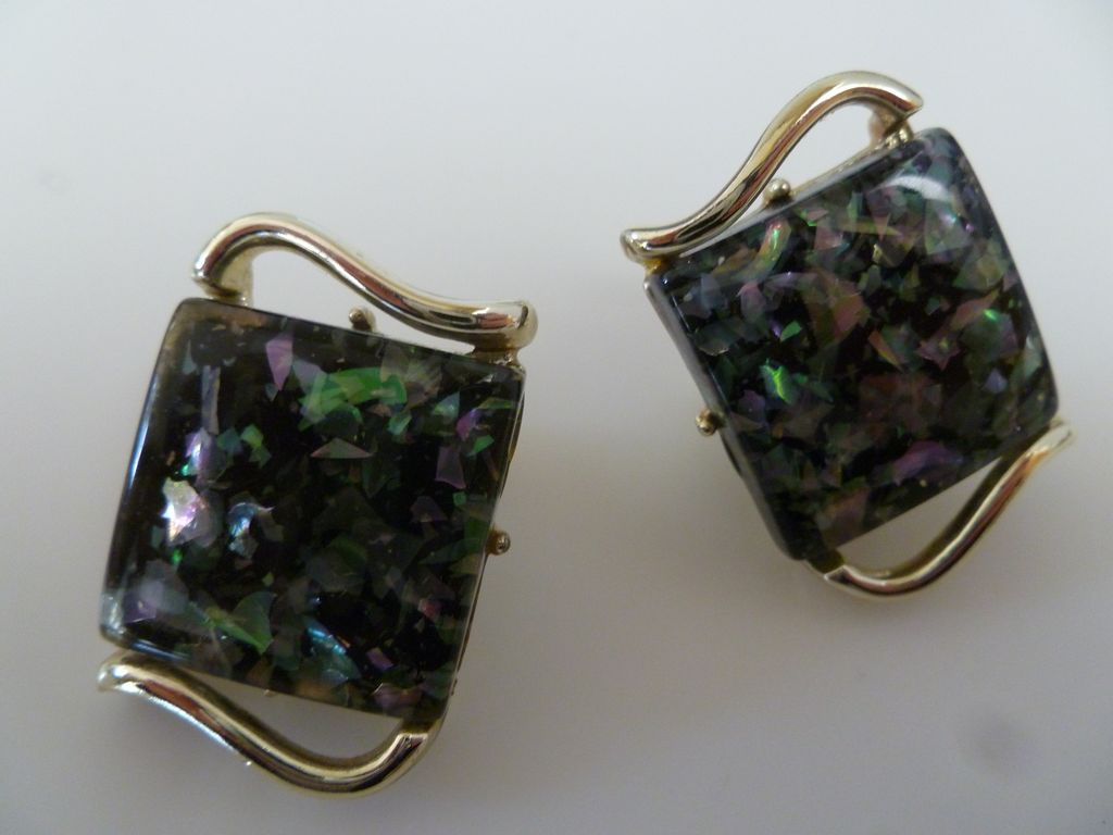 Vintage Coro Confetti Lucite Earrings