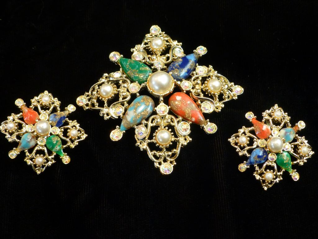Vintage Sarah Coventry Brooch & Earrings Set