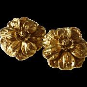 Designer Erwin Pearl Signed Matte Gold Tone Flower Earrings