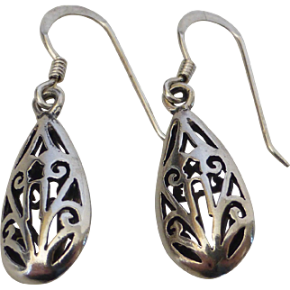 Vintage Sterling Silver Filigree Teardrop Earrings