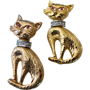 Gold Tone Cat Brooch Pair with Rhinestone Collars