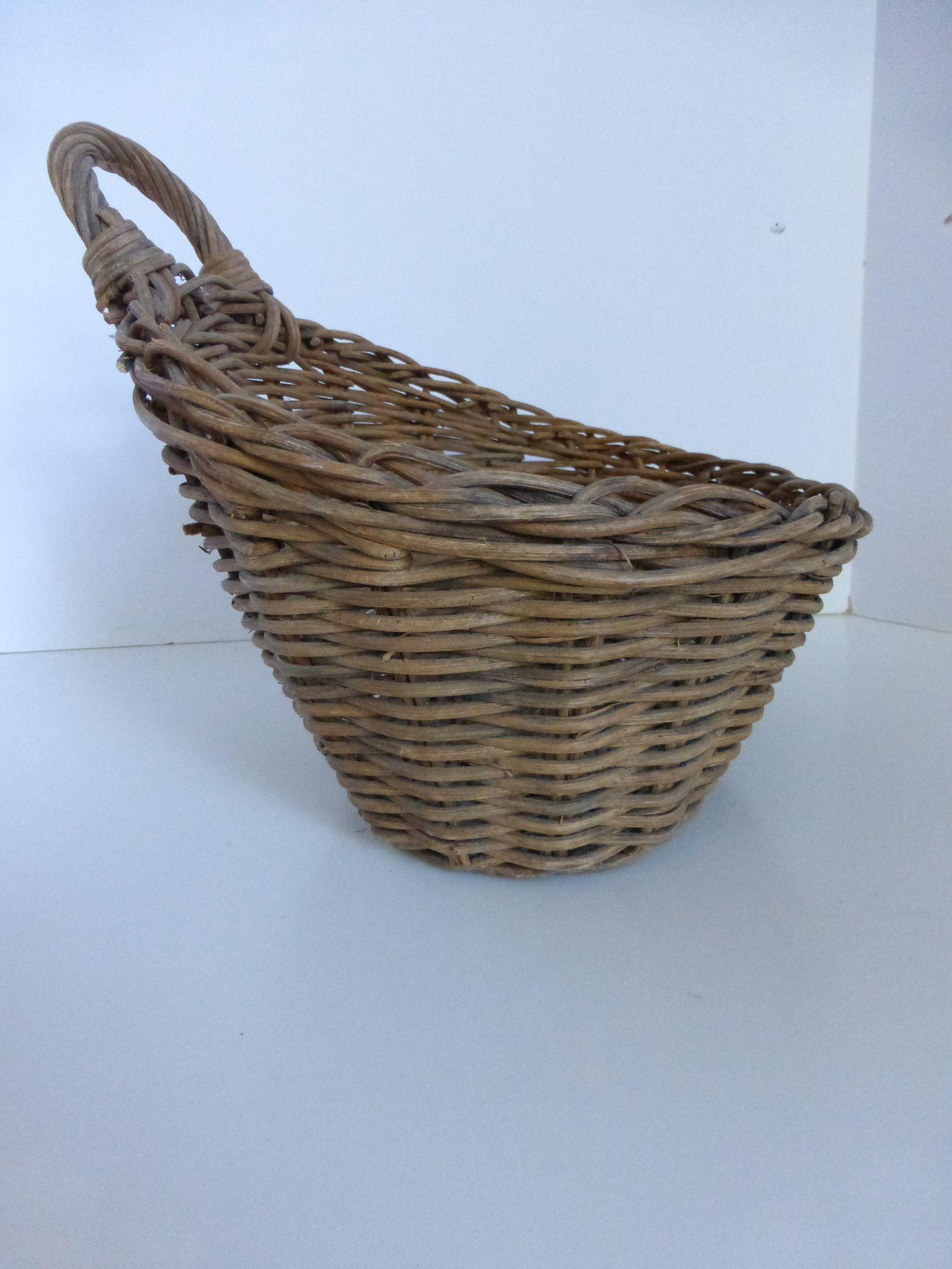 Basket Weaving Using Vines : Vintage hand woven vine wicker wall basket pocket