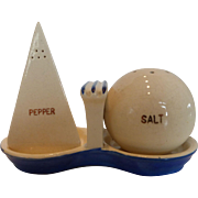 1939 New York World's Fair Perisphere and Trylon Ceramic Salt and Pepper Shakers with Tray