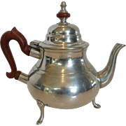 Kirk Stieff Pewter Colonial Williamsburg Wood Handle Coffee Tea Pot
