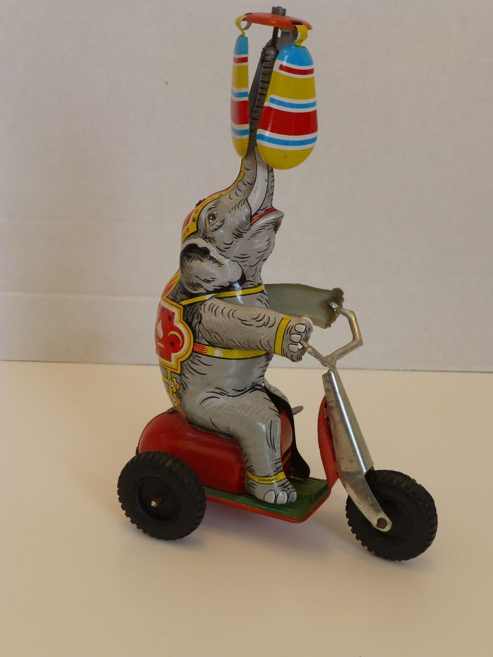 Tin Litho Wind Up Circus Elephant Toy Us Zone Germany