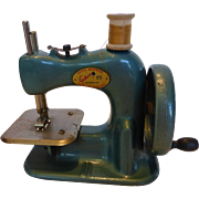 Vintage 1940s Gateway Child's Toy Sewing Machine WORKS
