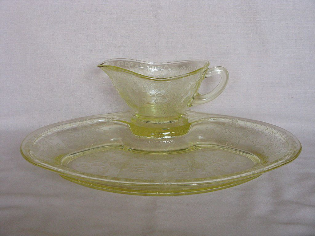 Depression Glass Yellow Florentine No. 2 Gravy Boat & Platter