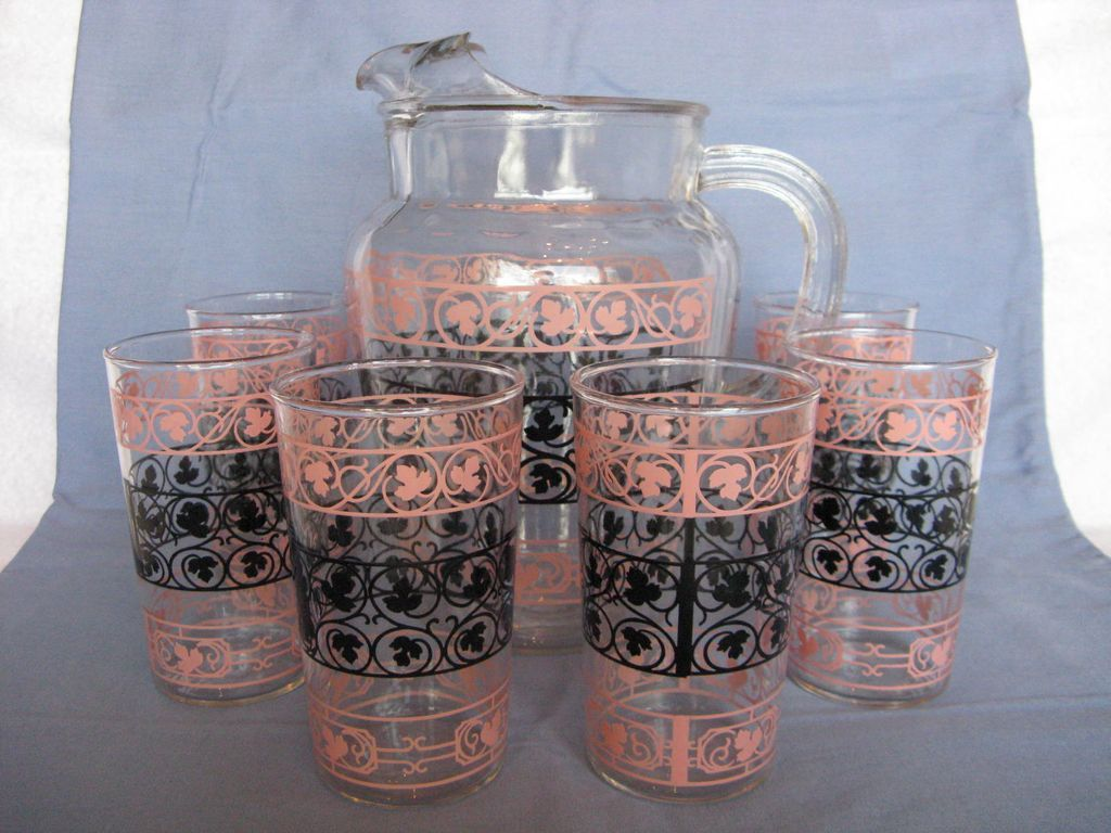 "Anchor Hocking ""Wrought Iron"" Pitcher & 6 Matching Glasses in Pink & Black"