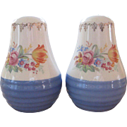 Universal Potteries Cambridge, Ohio Salt & Pepper Shakers