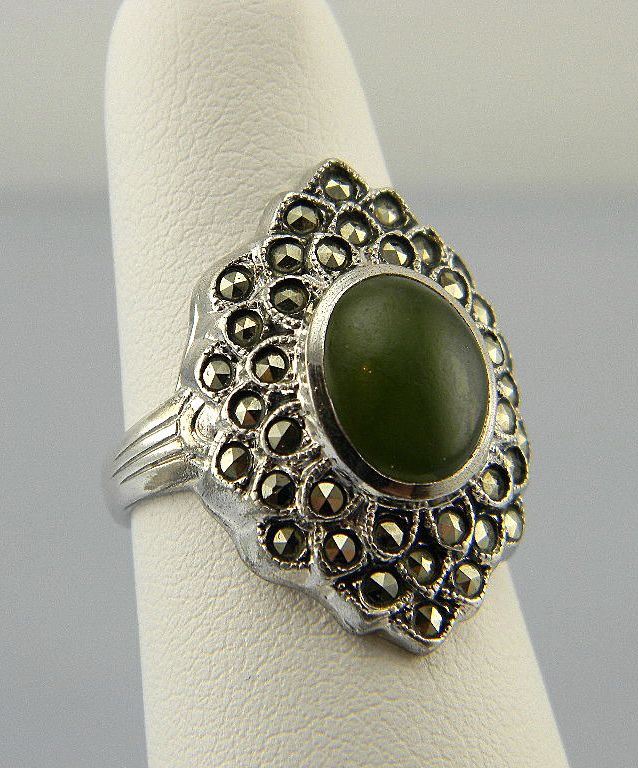 cut princess green ring dsc stone with rings