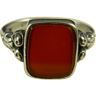Wonderful Gentleman's Carnelian Ring  835 silver