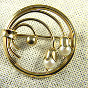 Pretty Winard Mid Century Gold Filled Circle Pin