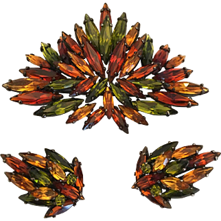 Vintage tiered rhinestone Sherman japanned brooch & earrings orange green & amber HTF