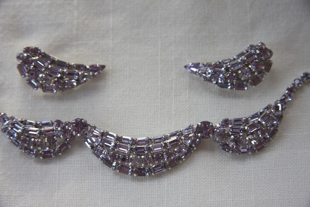 ELEGANT  Alexandrite-color change signed Sherman necklace and earrings vintage