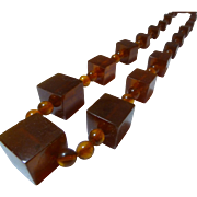 Apple juice Vintage flecked bakelite long cube necklace