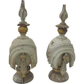 Pair of 19th Century Large Wooden Painted and Gilt Finials Newel Post Flame