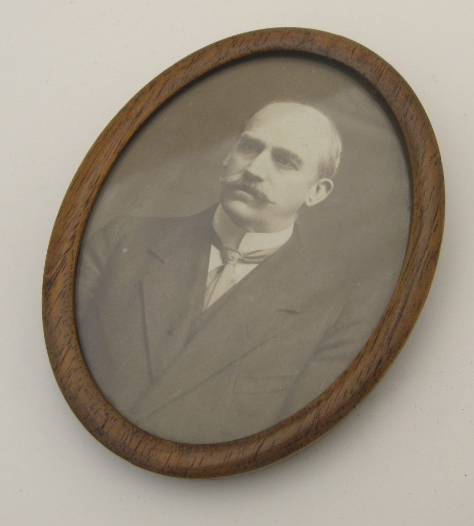 Vintage Oval Wooden Small Picture Frame From Blacktulip On