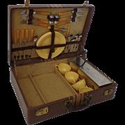 Vintage 1940s Picnic Basket Set Suitcase Yellow Bakelite Airstream Era Beach Travel Party Box