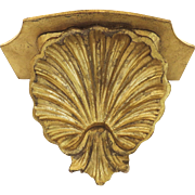 vintage Italian Gilt Small Bracket Shell Motif