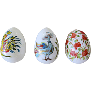 3 x Vintage Hand Blown Milk Glass Eggs Birds Flowers Charming