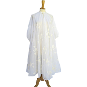 Vintage 1950's Eye-Ful Embroidered Robe Peignoir Full Swing Off-White Ribbons