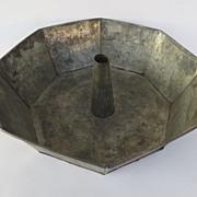 Vintage Large Tin Bundt Mold Pan