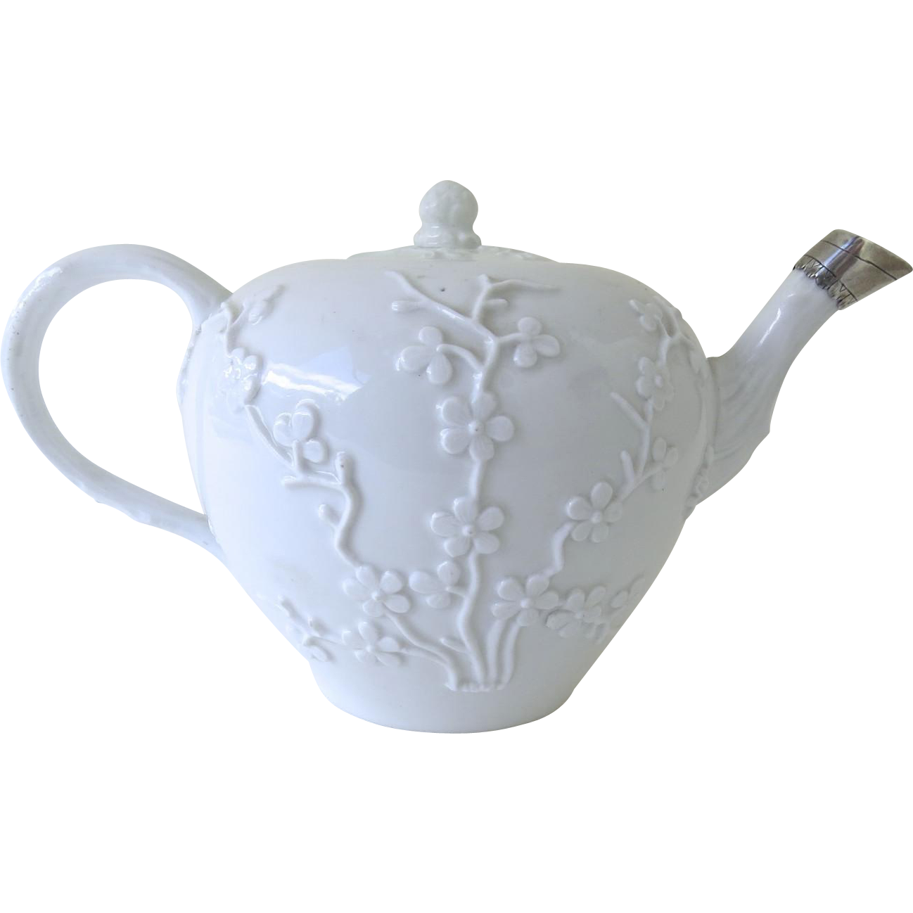 Meissen Porcelain Teapot with Raised Relief Decoration, circa 1780 1774 -1810 Meissen Era (P.839)
