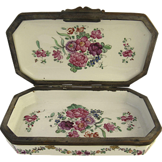 Late 19th Century French Porcelain Pink Floral Box by Sampson