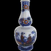 English 19th Century Small Bud Vase Chinoiserie Decoration