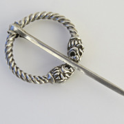 19th Century Silver Kilt Pin Lion Heads