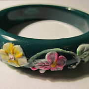 Deep Green Agate Bangle with Floral Motif