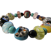 Chinese Peking Handmade Glass Bead Expandable Bracelet of Kitty Cats