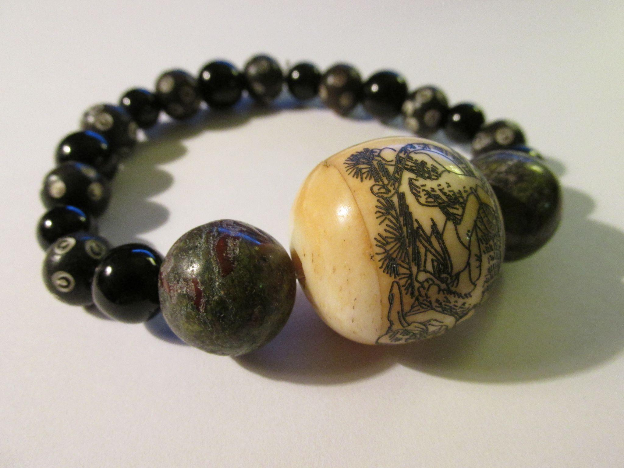 Chinese Monk S Wooden Prayer Bead With Black Onyx Bead