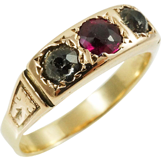 1900s Victorian Antique Three Stone Paste Ring in 14K Yellow Gold