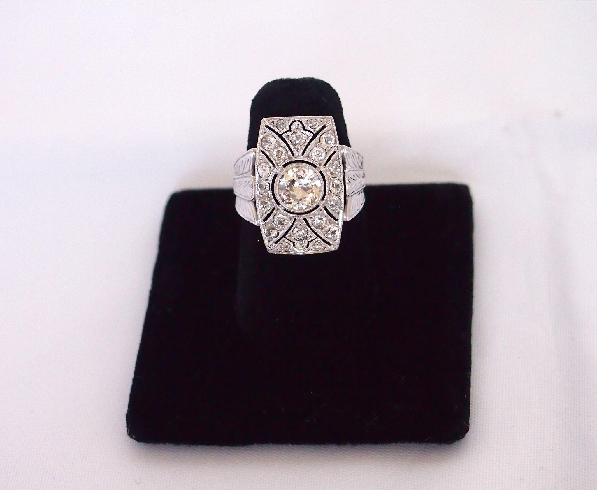 Art Deco Vintage Ring 108