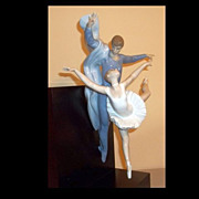 Lladro Figurine Graceful Moment  #6033  Limited Edition