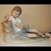 Lladro Pleasant Encounter Figurine  # 4858