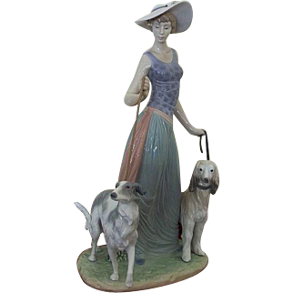 Lladro Elegant Promenade  5801 A Young Lady Walking Dogs