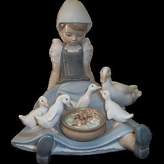 Lladro My Hungry Brood  5074