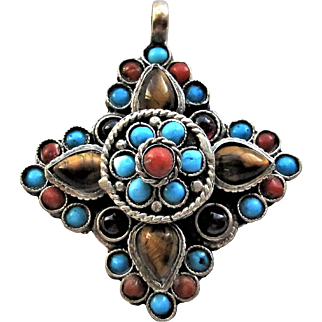 Tibetan Silver Pendant Amulet Prayer Box with Turquoise /Coral.